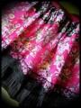 Jupe à volants rouge/noire/rose motif floral - taille S/M