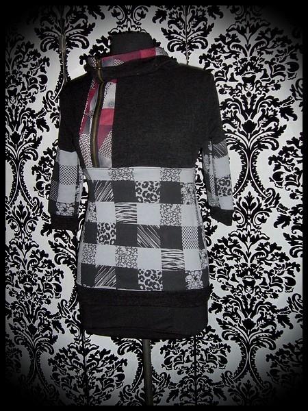 Sweat capuche maille noire détails carreaux gris bordeaux - taille XS/S