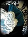 Turban effet croisé bleu canard dentelle crème