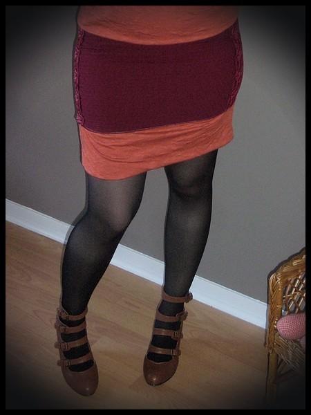 Mini jupe rouge foncé orange détails dentelle - taille S/M
