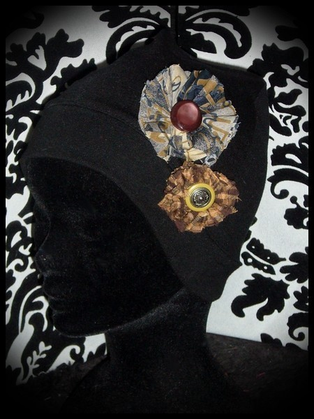 Black hat w/ brown fabric flowers