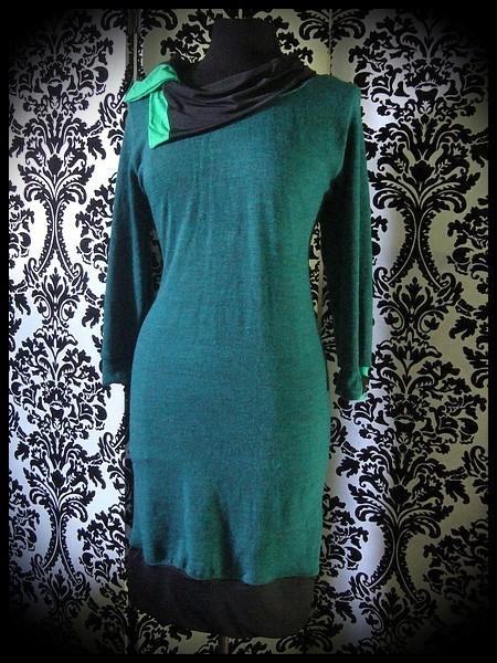 Robe vert sapin détails noirs et vert vif col asymétrique - taille L