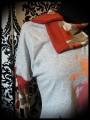 Grey top w/ asymmetrical collar orange details fox print - size M/L