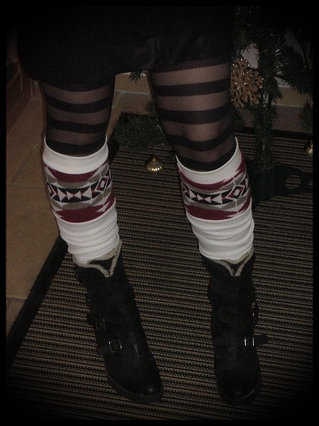 Ivory leg warmers with printed detail - one size