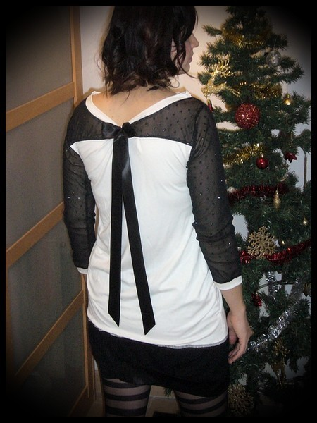 Ivory top with black swiss dot lace - size S/M
