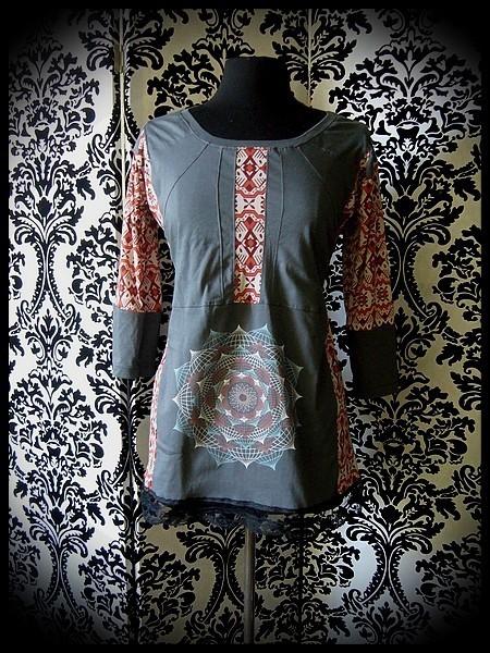 Haut gris imprimé mandala motif aztèque - taille M/L