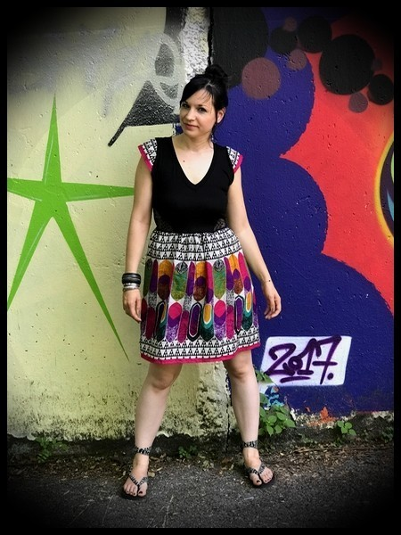 Multicolored dress triangle print pink details - size S/M