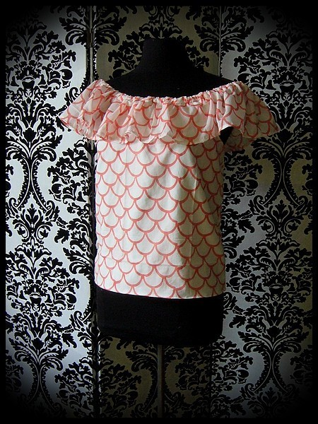 White Bardot top coral fish scale print - size S/M