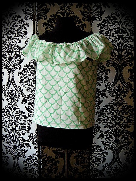 White Bardot top green fish scale print - size S/M