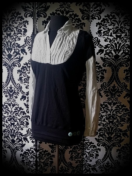 Black layered top w/ light grey shirt - size M/L