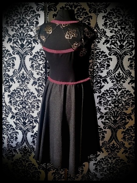 Black / gold dress dust pink details lace open back - size S