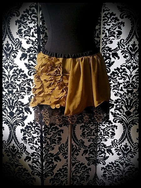 Olive green mini skirt gold black lace details - size S/M