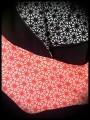 Sweat à capuche noir motif géométrique