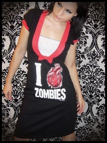 """""""I love zombies"""" Robe personnalisée - sur mesure"""