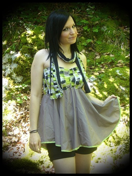 Strapless lime green/taupe top - size M/L