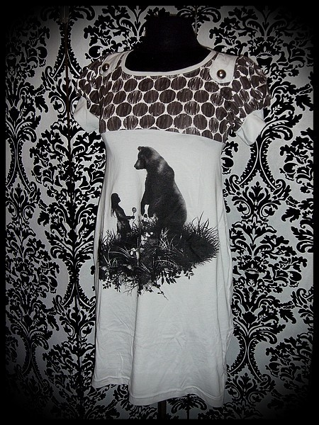 Light grey brown dress Threadless bear and little girl print - size S/M