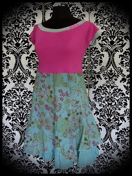 Celadon green/pink dress floral print - size S/M
