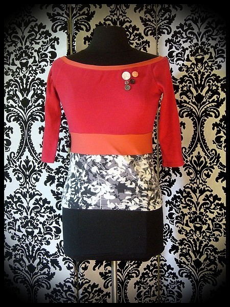 Red orange grey black top floral print - size XS/S