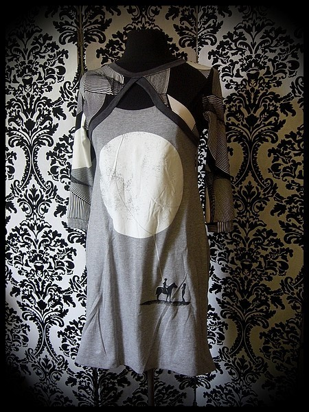 Grey dress black/white sewn-in shrug Threadless - size S/M
