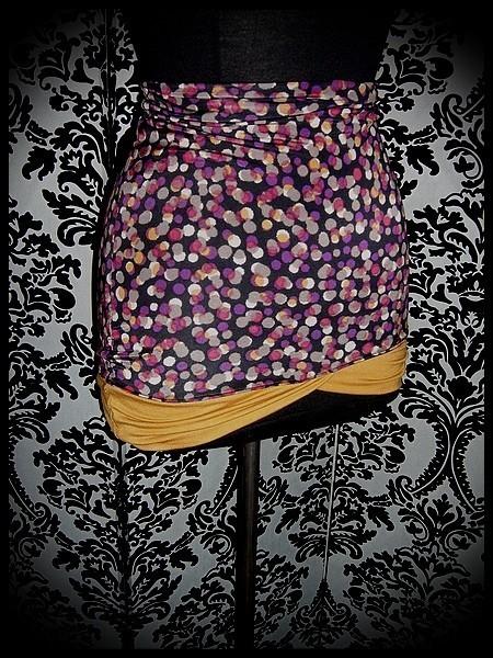 Mini jupe noire prune rouge détails moutarde - taille S/M