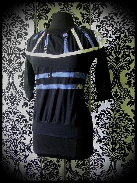 Black top blue/white details - size M/L