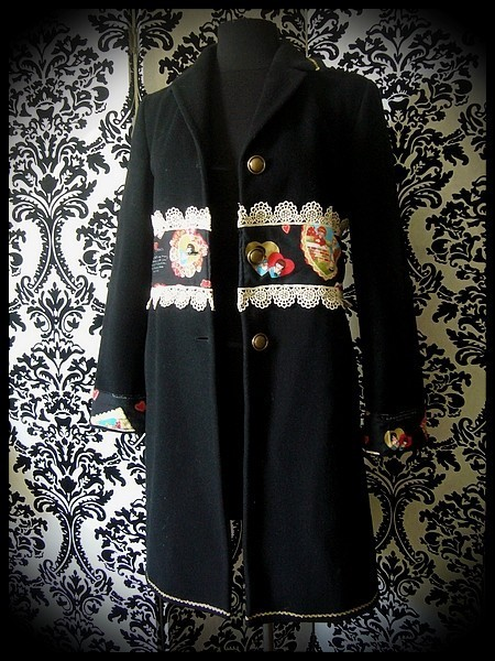 Manteau noir détails or motifs rétro - taille S/M