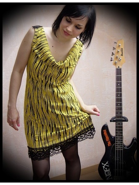 Yellow black striped dress crochet back - size S/M
