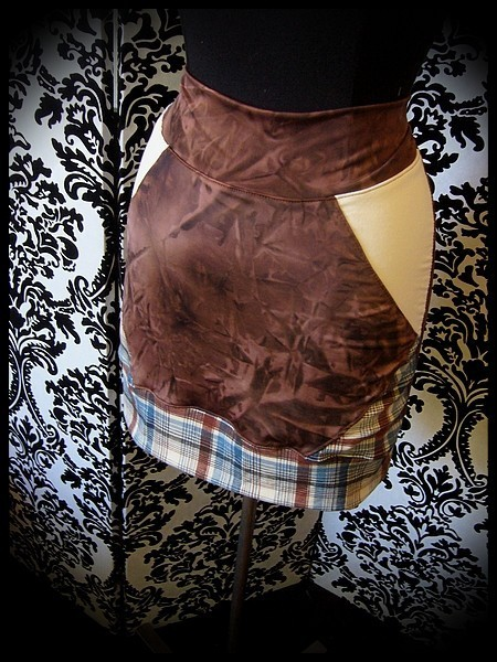 Brown mini skirt cream and blue/brown plaid details - size M/L