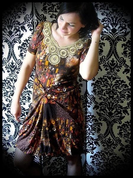 Robe drapée imprimé marron/jaune applique dorée - taille S/M